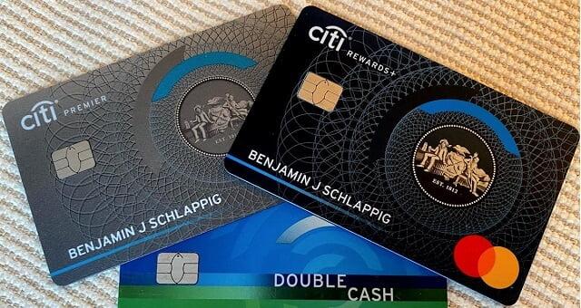 so sánh thẻ tín dụng citibank simplicity và citi rewards
